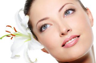 Gesicht Hals Dekolette, Hautverjüngung, Kaltlaser, Vitalaser, Microneedling, DermaPen,